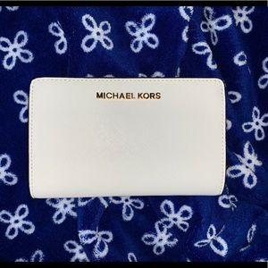 NWT Michael Kors Jetset Bifold Wallet